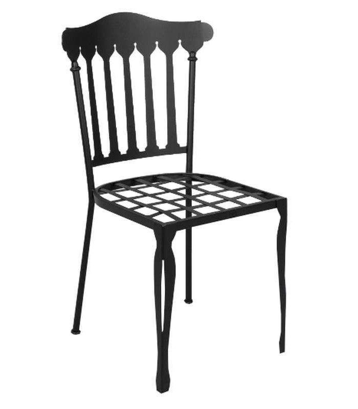 Silla de forja con detalle en las patas for Patas de forja para mesas